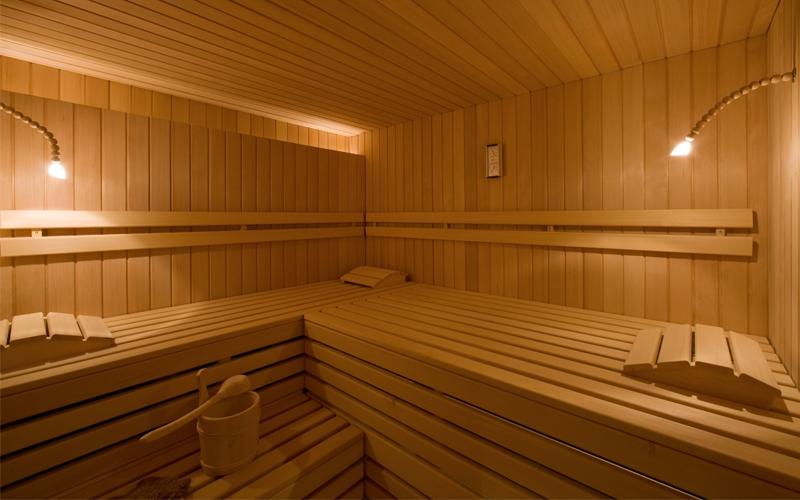 welches holz fr sauna latest saunaholz abachi fr die saunaliegen ist ebenmig splintfrei und. Black Bedroom Furniture Sets. Home Design Ideas