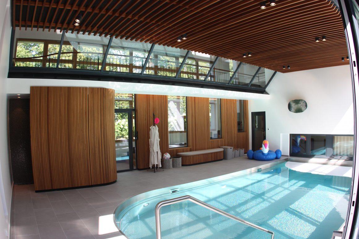 Privater Schwimmhallen-Ausbau